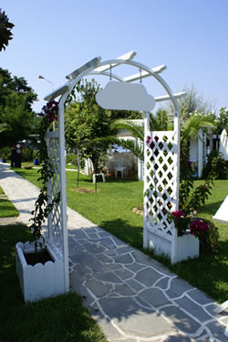 wedding arbor planters